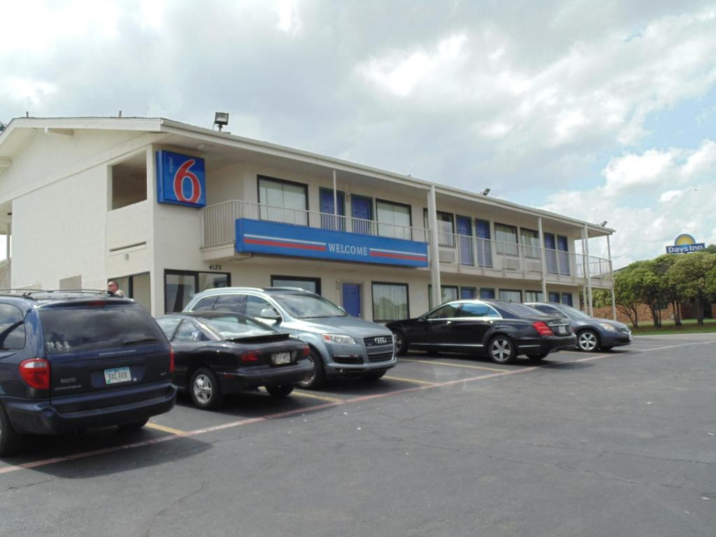 Motel 6 denton tx booking gallery image of this property solutioingenieria Choice Image