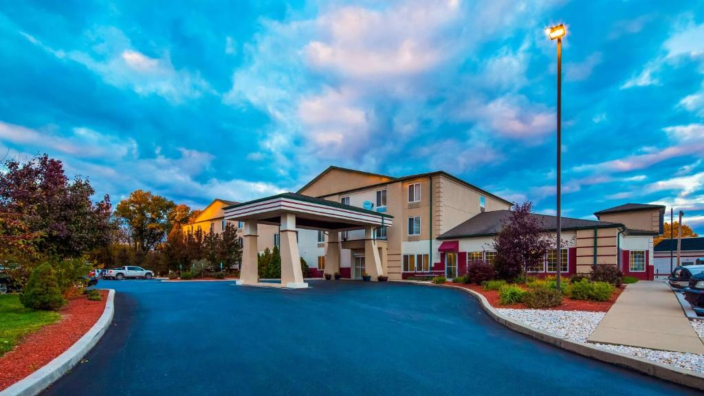 hollywood casino pa hotel package pictures