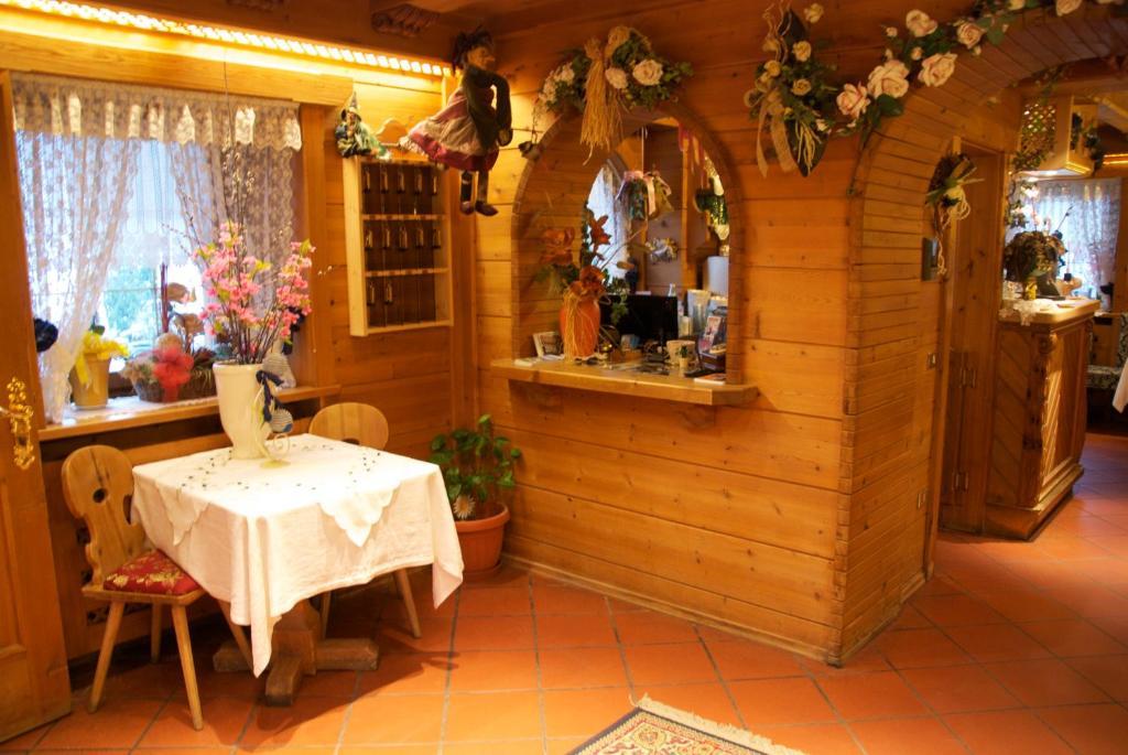 Albergo Genziana (Italia San Vigilio Di Marebbe) - Booking.com