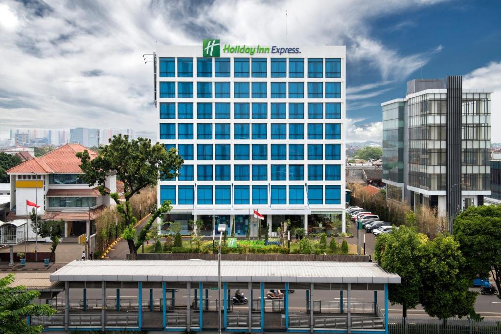 Holiday Inn Express Jakarta Matraman