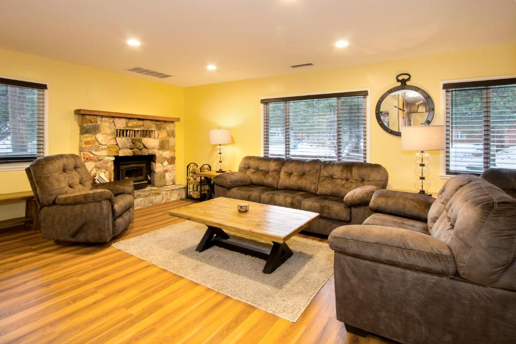 Edelweiss Lodge Mammoth Lakes Ca Booking Com