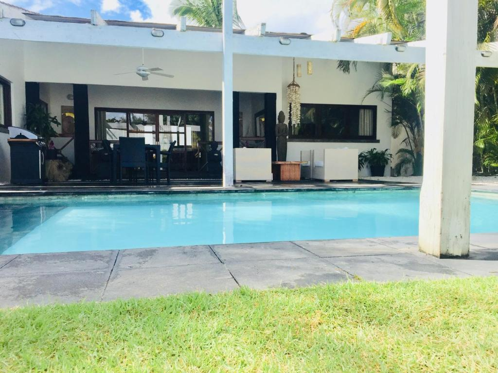 Villa dos con piscina privada juan dolio dominican for Casas para alquilar en verano con piscina privada