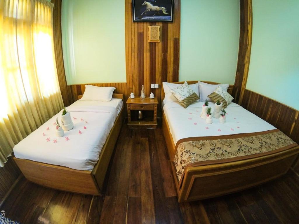 ナンダ ウン ホテル(Nanda Wunn Hotel)