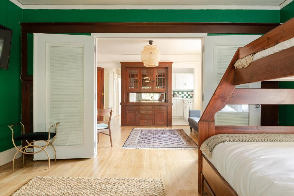 Apartment Vintage Luxe Beach Retreat New Listing Long Beach Ca