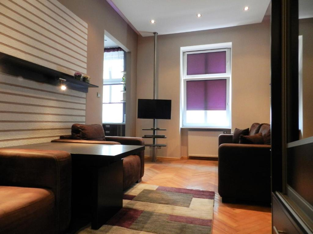 A seating area at Rynek Manana