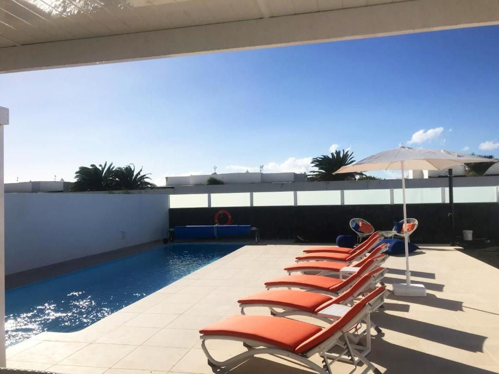 Villa Amistad, Playa Blanca, Spain - Booking com
