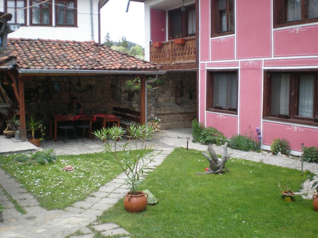 Nenchova Guest House