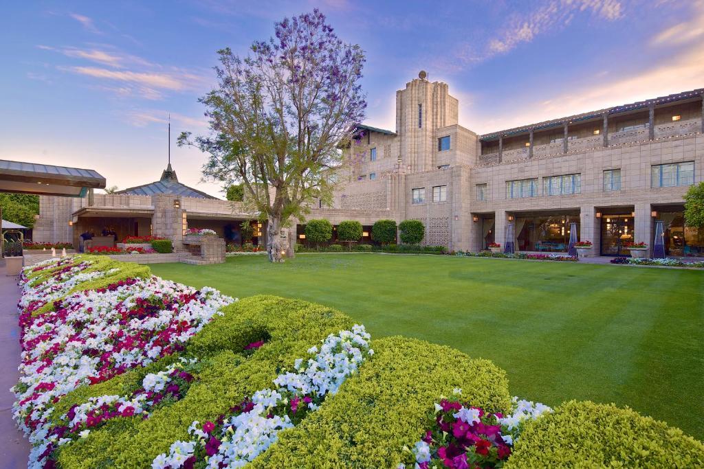 Resort Arizona Biltmore, Phoenix, AZ - Booking.com