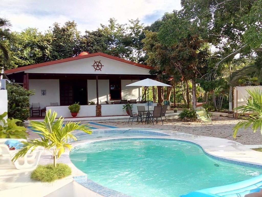 vacation home casa bugambilia del mar, playa naranjo, costa rica