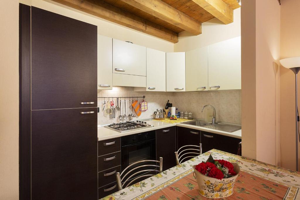 Camera Matrimoniale Usata A Brescia.La Loggia Appartamenti Calzavellia Brescia Prezzi Aggiornati Per