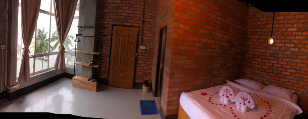 Hotel Seasons Island, Myeik, Myanmar - Booking com