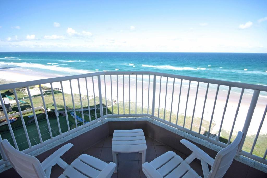 condo hotel the breakers gold coast australia booking com