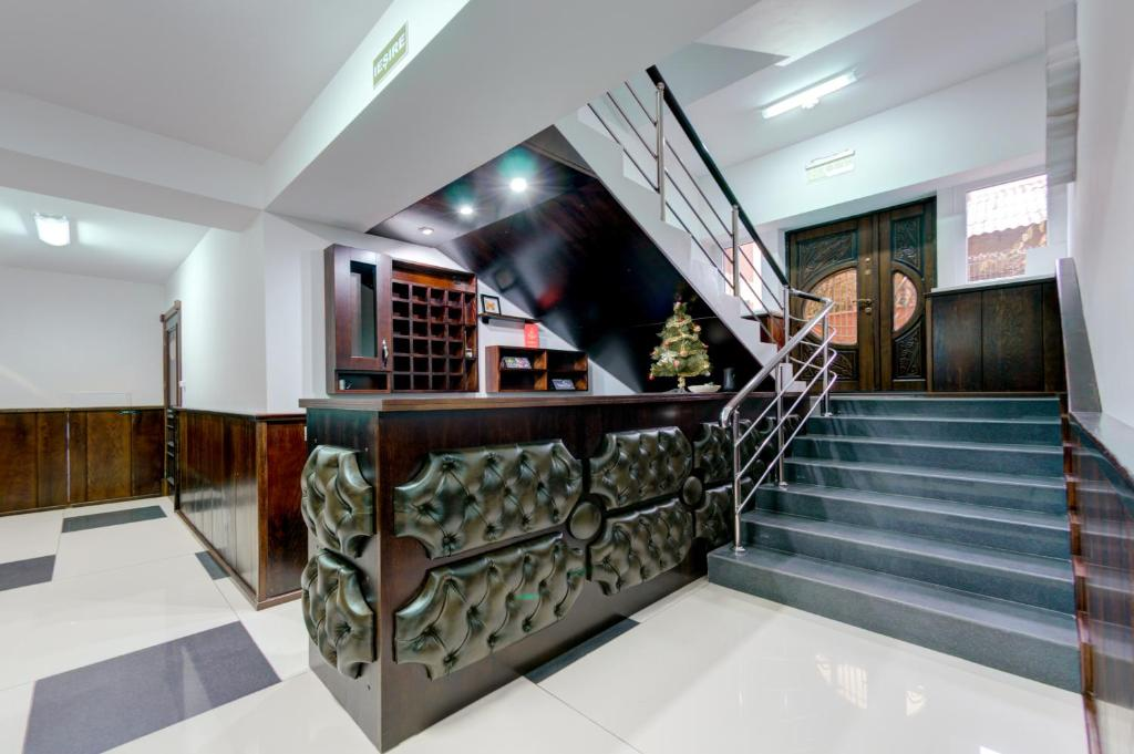 The lobby or reception area at Catherine Hotel