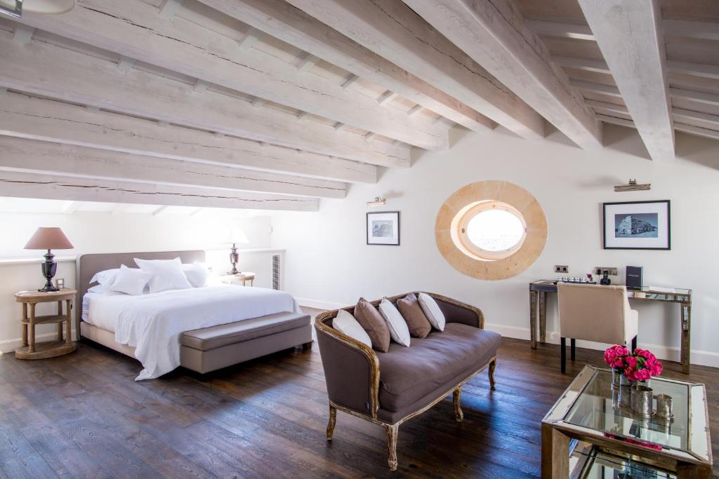 boutique hotels mahon  140