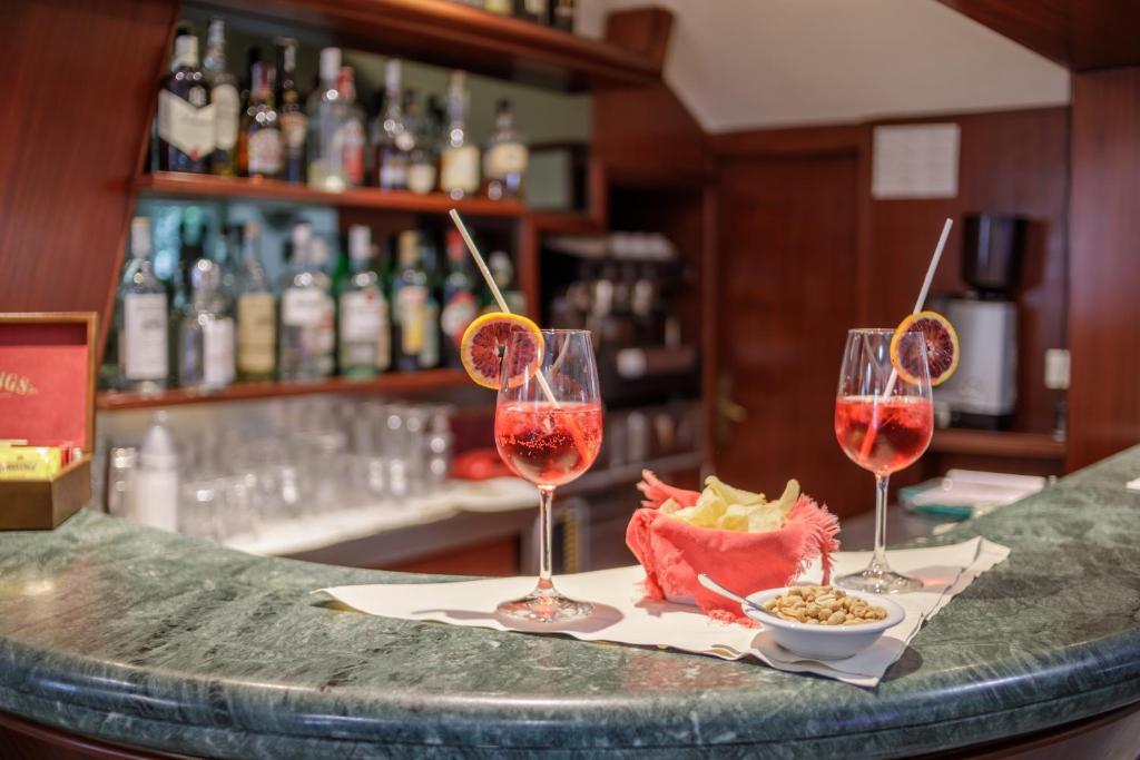 Vasca Da Bagno Glass Astor : Hotel astor victoria italia forte dei marmi booking