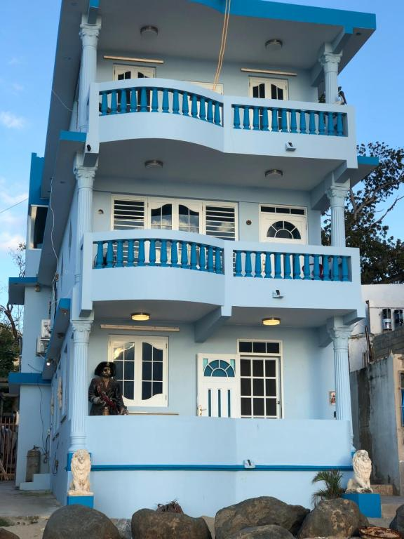 apartment rompeolas beach house aguadilla puerto rico. Black Bedroom Furniture Sets. Home Design Ideas