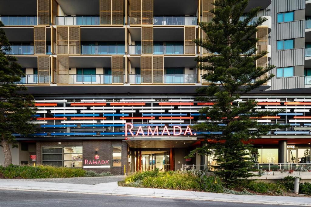 Hotel Ramada Vetroblu Scarborough Beach Perth Australia Booking Com