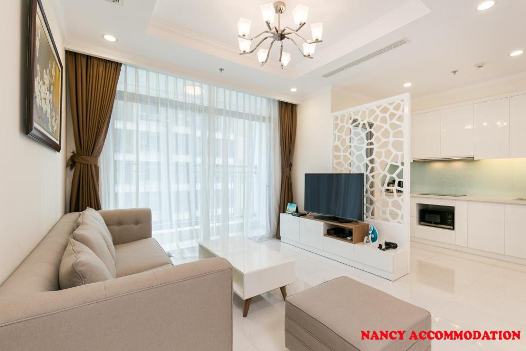 A seating area at Nancy- luxury apartment