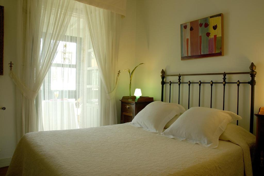boutique hotels san xulian de sales  21