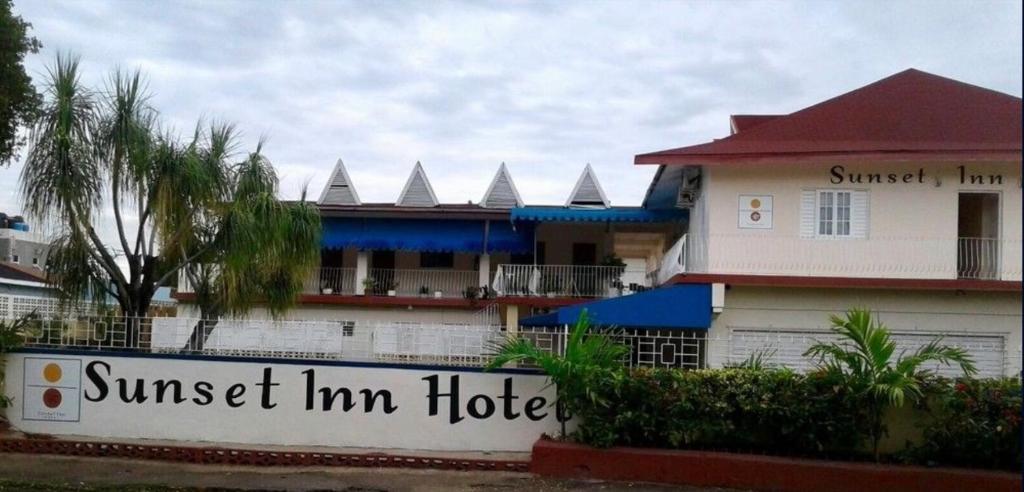 Sunset Inn Apartment Hotel
