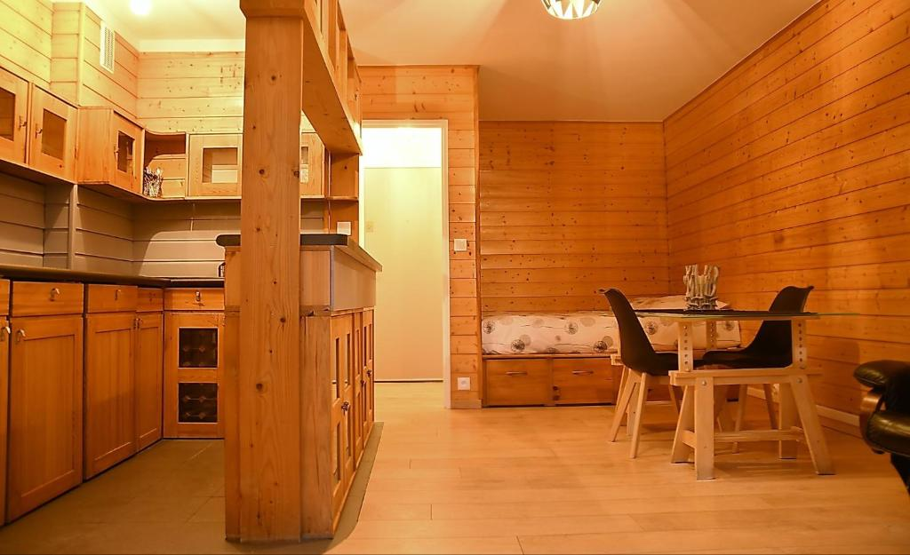 Apartments In Villecresnes Ile De France