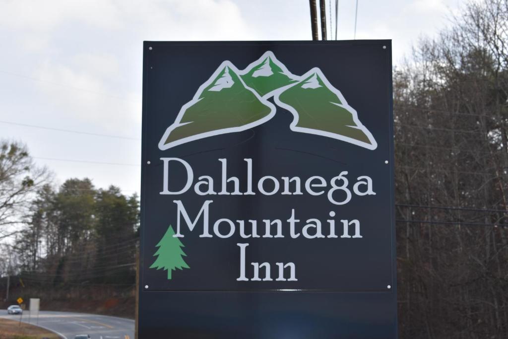 7b801a2d6f1a Dahlonega Mountain Inn (Hotel) (USA) Deals