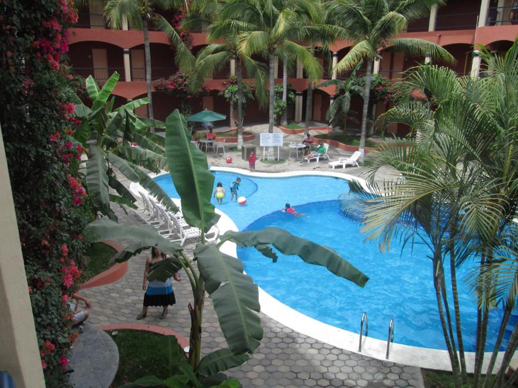 A view of the pool at Estancia Real Los Cabos or nearby