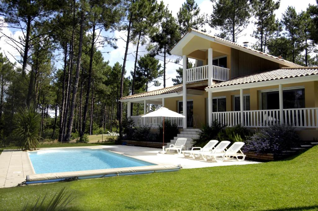 Villa Estivel  Eden Parc Golf LacanauOcan France  BookingCom