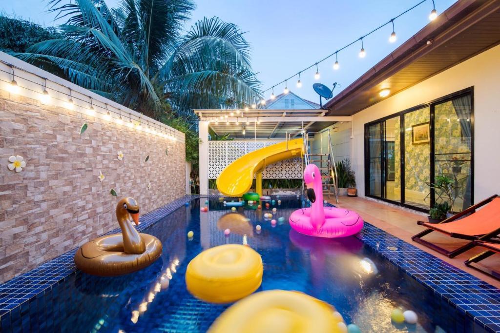 102 pool villa hua hin thailand booking com rh booking com