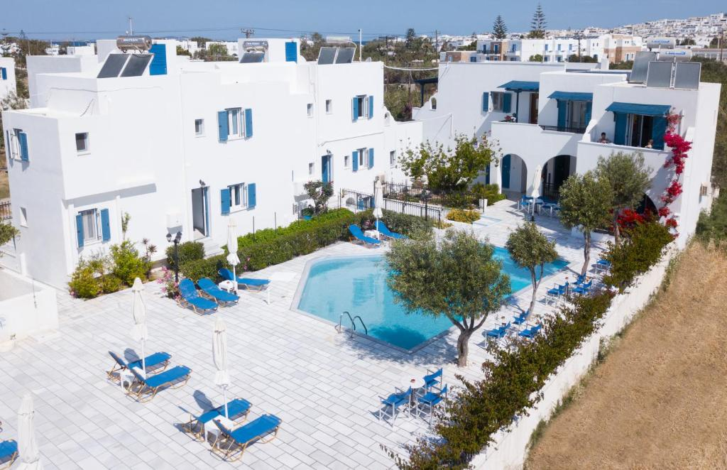 A view of the pool at Dedalos Studios Naxos or nearby