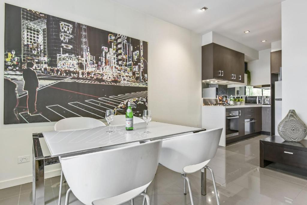 Ultra Modern Large 1 Bedroom Apartment Melbourne Updated 2019 Prices