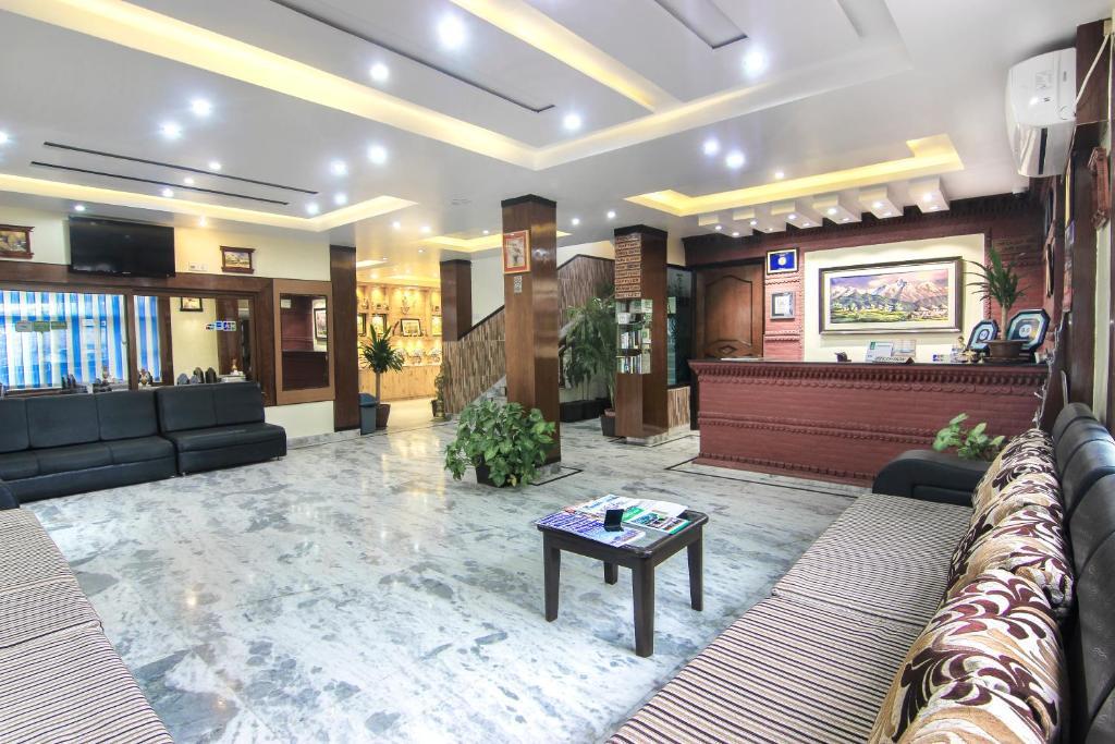 Hotel Point tesisinde lobi veya resepsiyon alanı