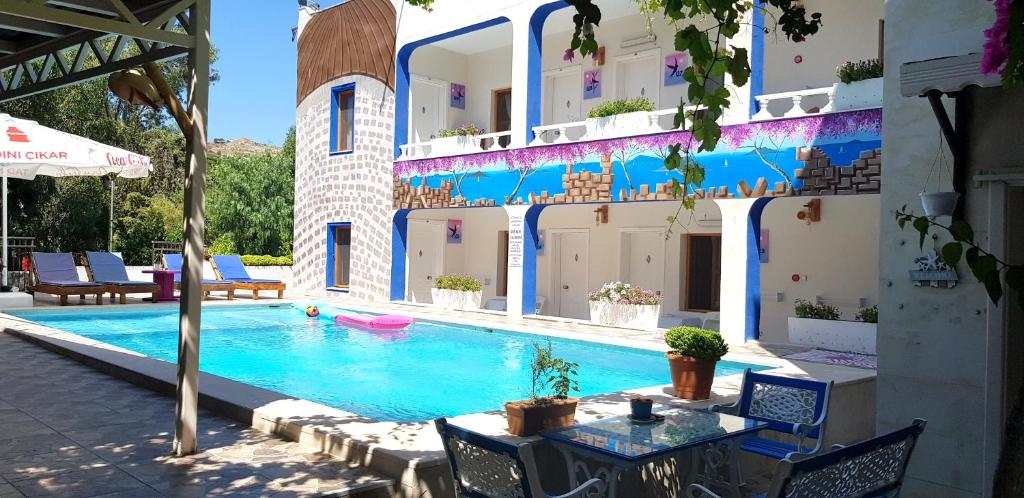 The swimming pool at or near Hakan Hotel