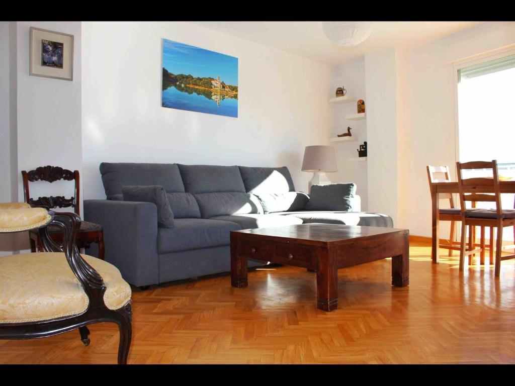 A seating area at Luminoso Piso en Navacerrada Wifi
