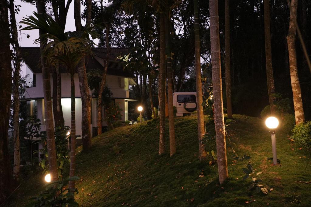 Munnar Breeze Inn