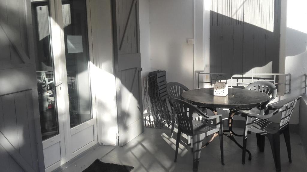 Apartments In Vins-sur-caramy Provence-alpes-côte D