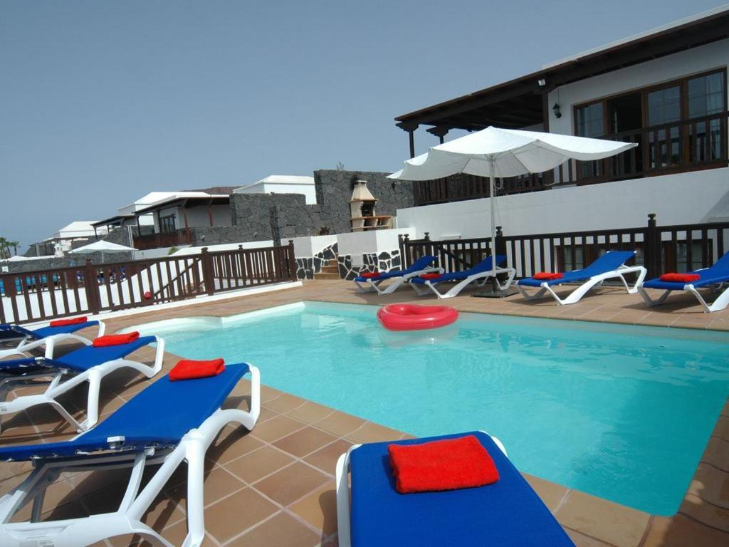 Villa 26 with Pool, Hot Tub and Great Sea Views, Playa Blanca ...