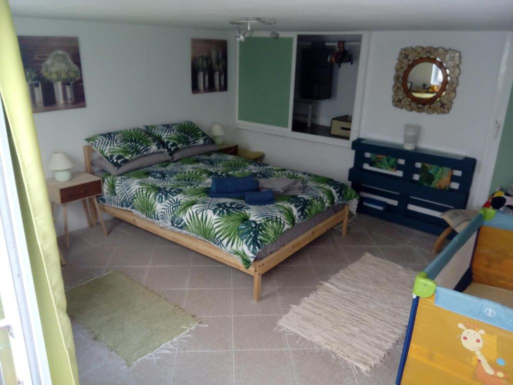 A bed or beds in a room at Great beach location