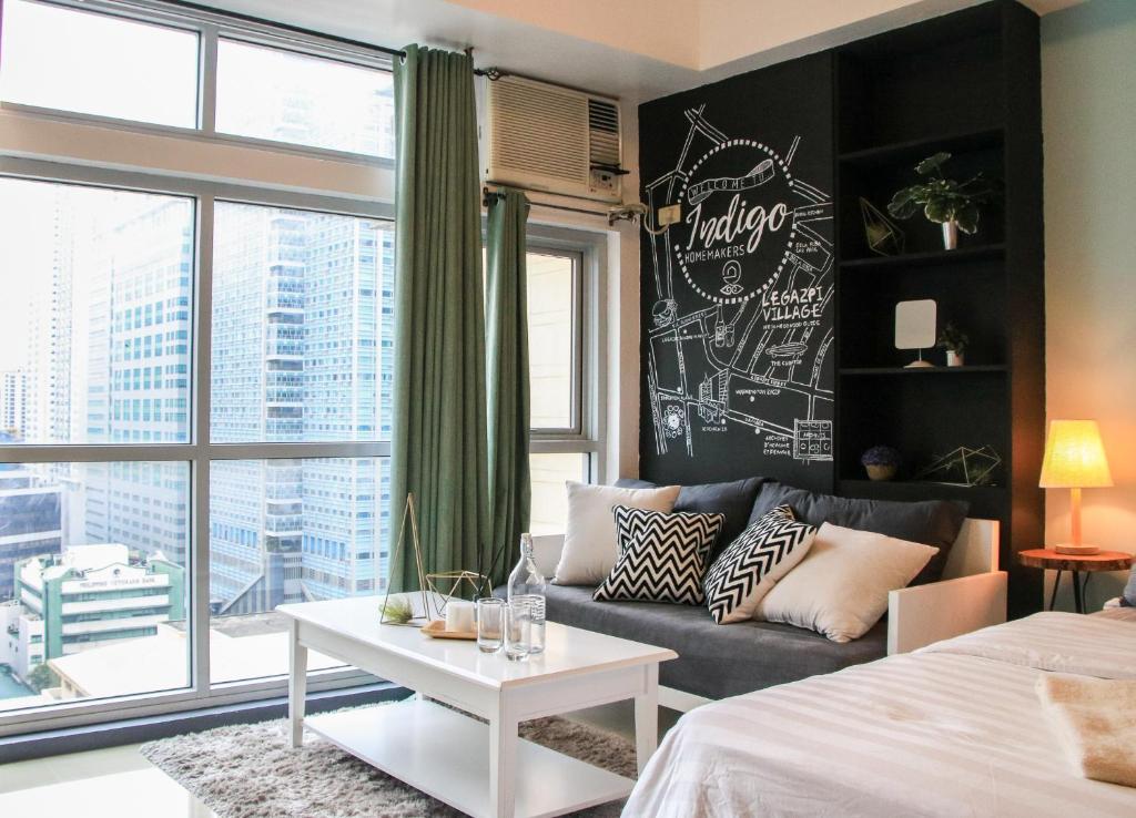 A Seating Area At Indigo Design Studio Apartment Excelsior