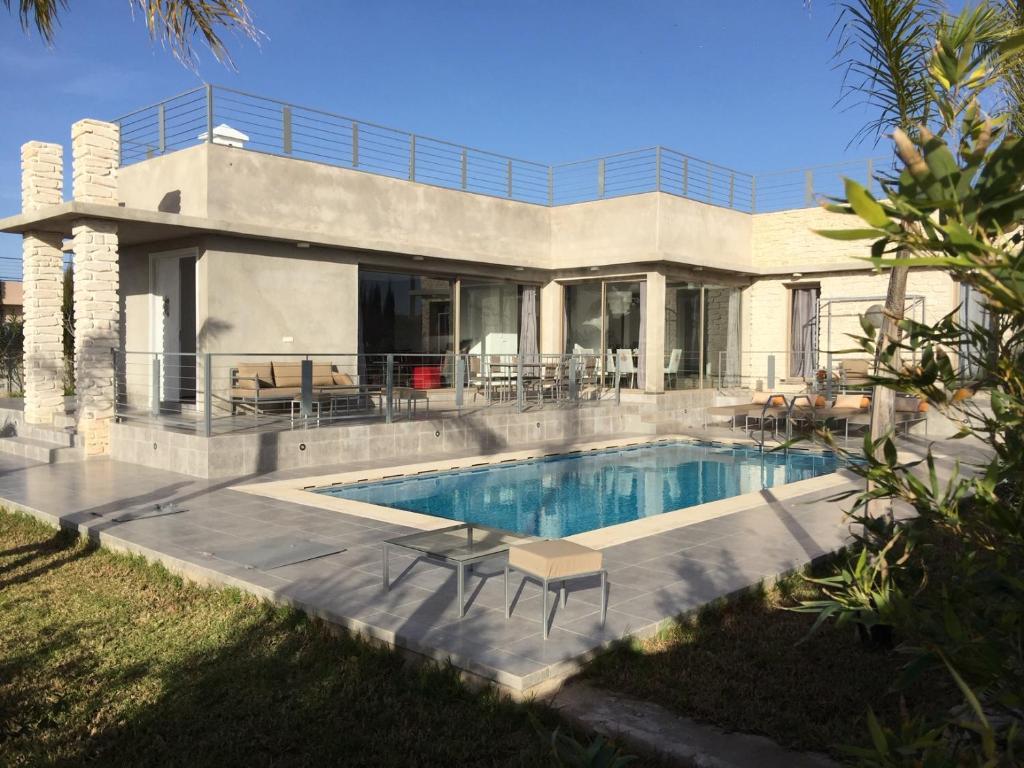 Villa moderne de plein pied avec jardin et piscine, Essaouira ...