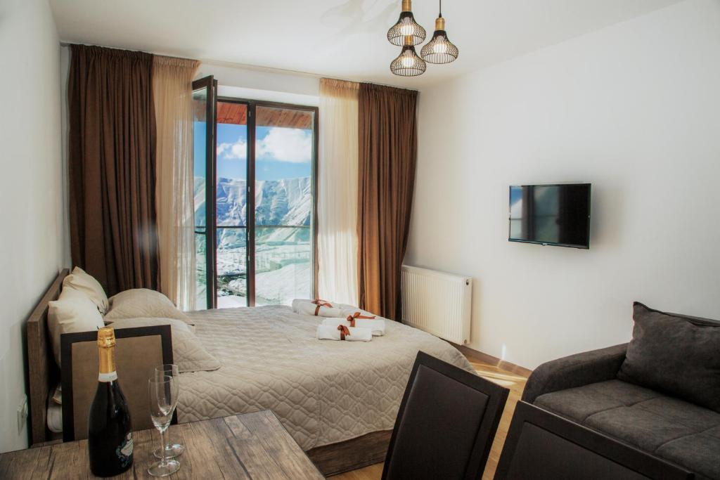 A seating area at New Gudauri Loft II Apartment