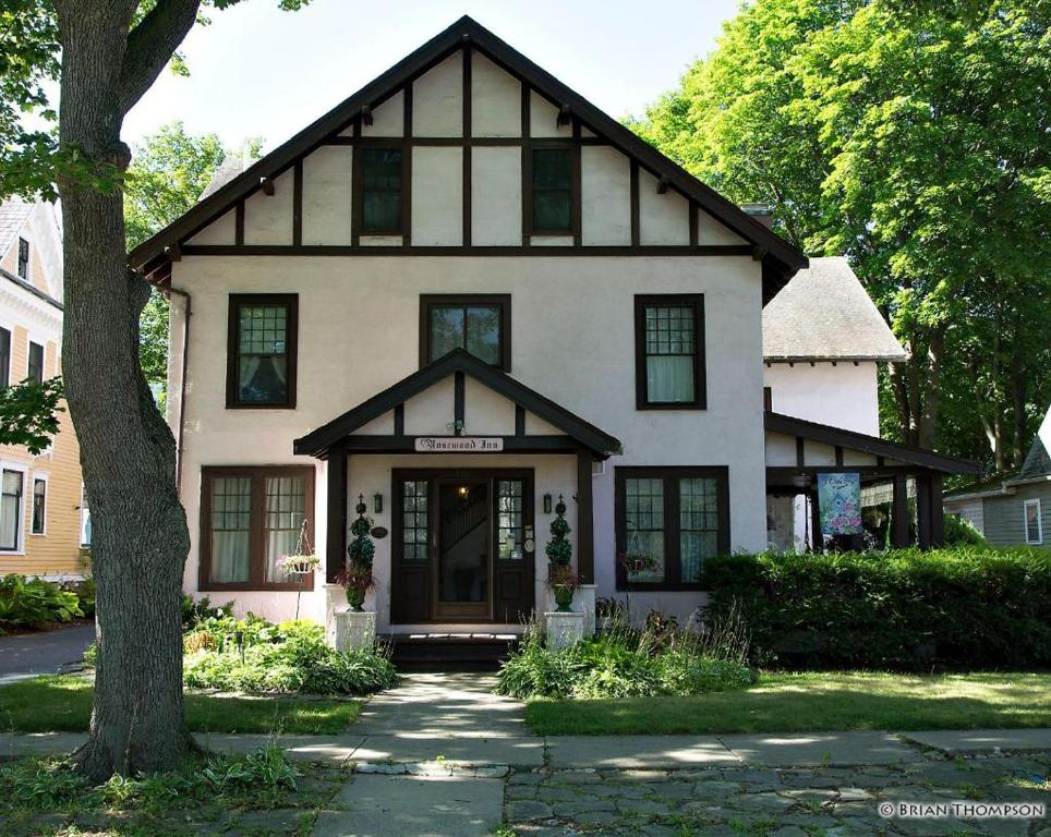 Rosewood Inn, Corning, NY - Booking com