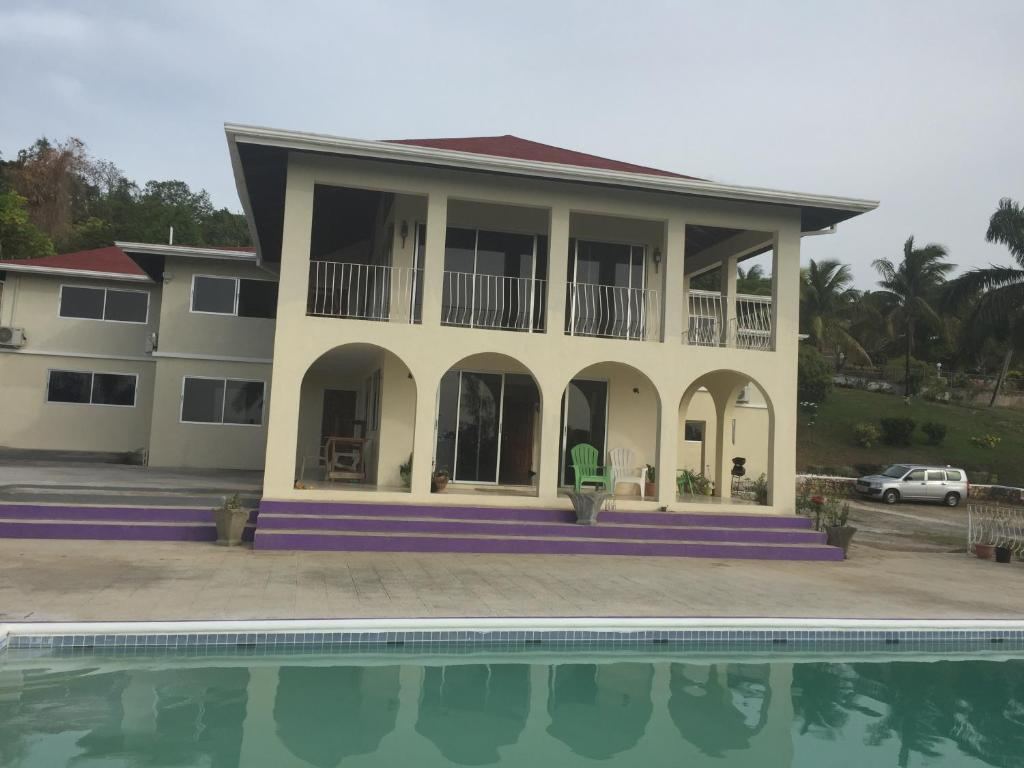 Cardiff Hall Villa Guesthouse Runaway Bay Jamaica Deals