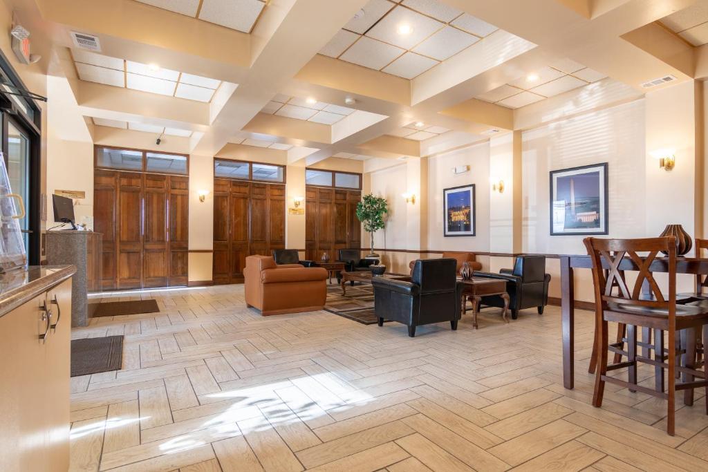 Master Suites Hotel Waldorf Md Bookingcom