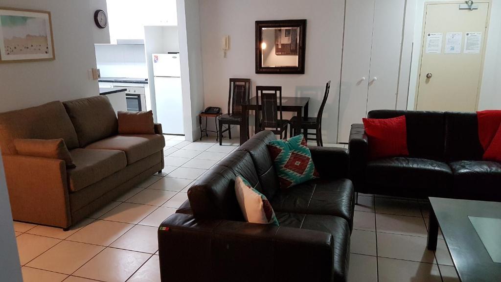 monte carlo private apartments gold coast australia. Black Bedroom Furniture Sets. Home Design Ideas