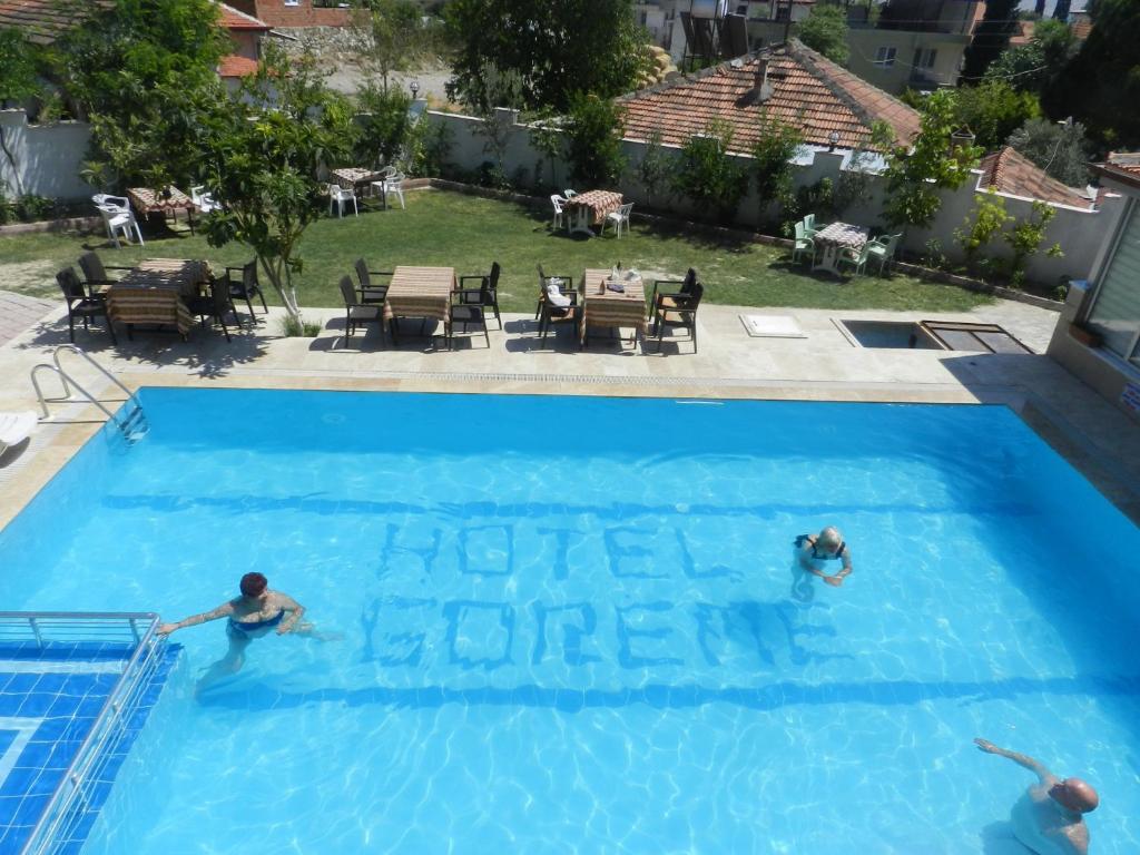 ホテル ギョレメの敷地内または近くにあるプールの景色