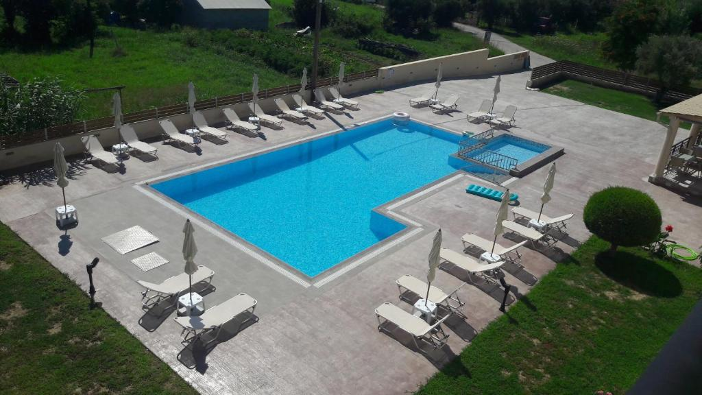A view of the pool at Jenny Hotel or nearby