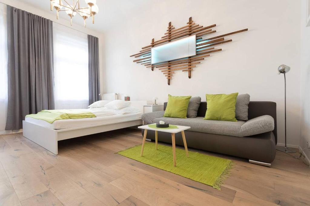 Llit o llits en una habitació de Barg Apartment 16