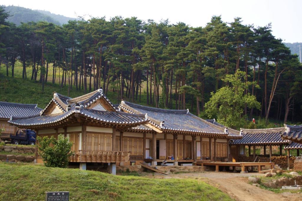 Guesthouse korean chungnokdang boseong south korea - Mansions in south korea ...