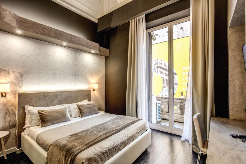 Uma cama ou camas num quarto em Four Rivers Suites